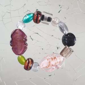 Tolles Armband mit Glassteinen
