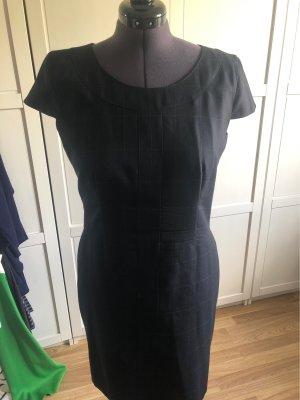 Hugo Boss Vestido ceñido de tubo negro Lana