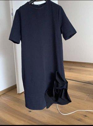 Tolles COS Kleid