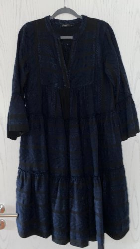 Devotion Midi Dress black-blue