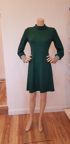 Vestido de tela de sudadera verde bosque