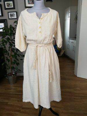 Tolles Kleid aus Baumwolle
