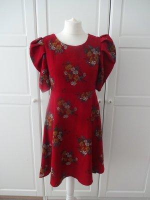 tolles Kleid floral puffärmel