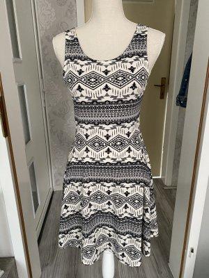 Tolles Kleid im Azteken Stil Gr 38