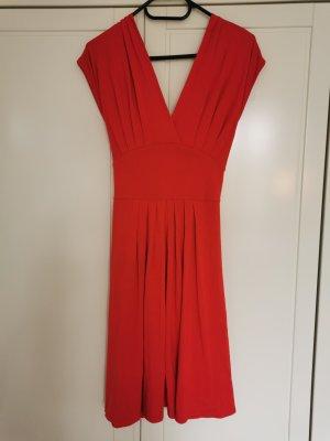 Tolles Kleid in Rot