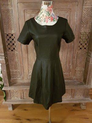 Tolles Kleid Leder