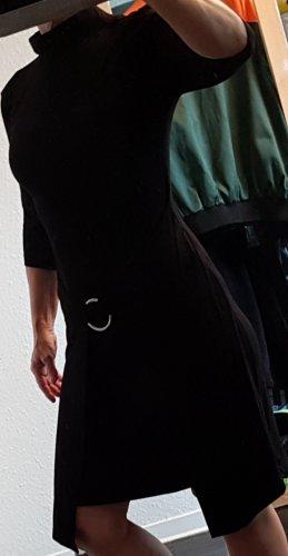 Bodyflirt Sukienka z krótkim rękawem czarny-srebrny