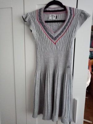 Tolles Kleid von Tommy Hilfiger in Größe S