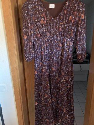 Tolles Kleid von Villa