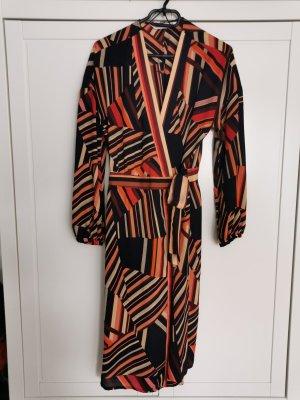 Tolles Kleid von Zara im seventies Style