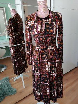Tolles Kleid von Zara NEUwertig!!