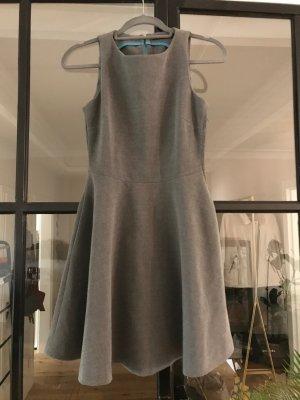 Tolles Kleid von Zara Trafaluc.