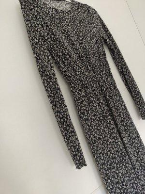 Tolles Maxikleid von Zara in S/36, neu mit Blumenprint schwarz Weiß