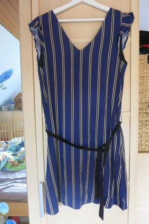 tolles, neues Kleid mit Streifen