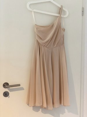 Tolles One-Shoulder-Kleid