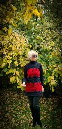 La Rinascimento Cardigan lungo nero-rosso