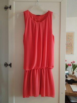 Tolles Sommerkleid Partykleid mit spitzenbesetztem Rückenausschnitt