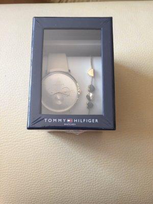 Tommy Hilfiger Damenuhr Casual+Armband mit Herzen