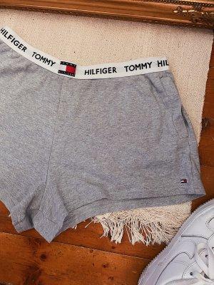 Tommy Hilfiger graue Loungewear Shorts mit dem Logo am Bund