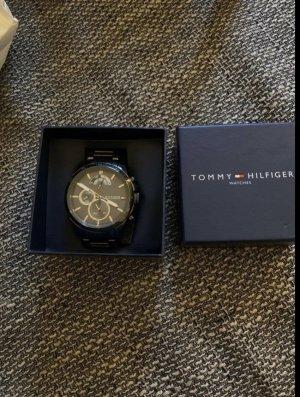 Tommy Hilfiger Zegarek z metalowym paskiem czarny