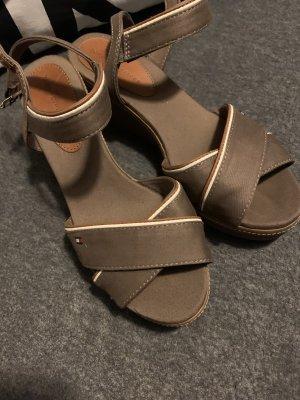Tommy Hilfiger Plateauzool sandalen taupe-bruin