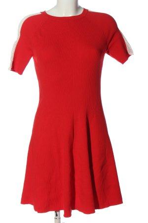 Tommy Hilfiger Vestido de manga corta rojo look casual