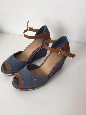Tommy Hilfiger Sandalo con cinturino cognac-blu acciaio