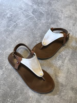 Tommy Hilfiger Sandalo toe-post bianco-marrone chiaro