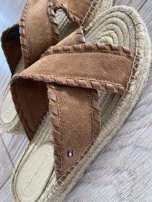 Tommy Hilfiger Denim Sandalias con plataforma marrón-beige