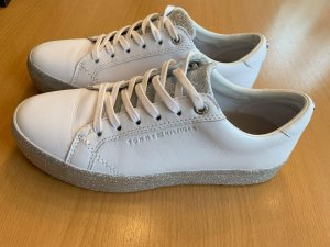 Tommy Hilfiger Lace-Up Sneaker white-silver-colored leather
