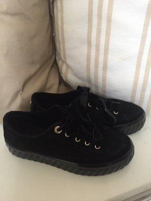 Tommy Hilfiger Sneaker Größe 37 schwarz neuwertig