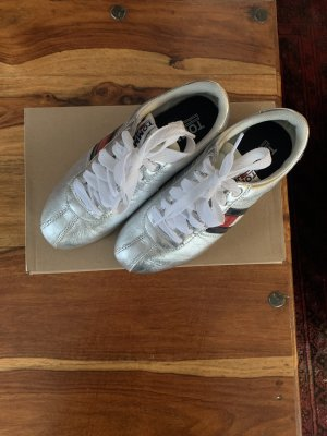 Tommy Hilfiger sneakers 39