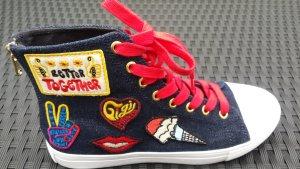 Tommy Hilfiger Sneakers aus der Gigi Hadid Kollektion