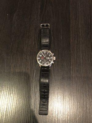 Tommy Hilfiger Montre avec bracelet en cuir noir