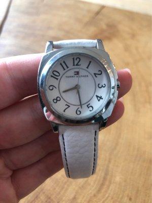 Tommy Hilfiger Montre avec bracelet en cuir argenté-blanc