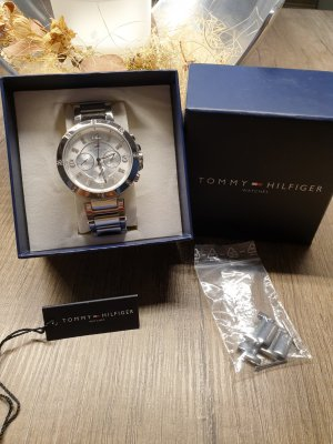 Tommy Hilfiger Watch With Metal Strap silver-colored