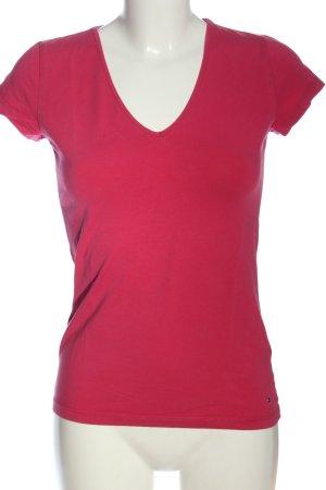 Tommy Hilfiger Camisa con cuello V rosa look casual