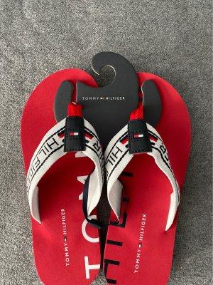 Tommy Hilfiger Sandały japonki z rzemykami czerwony-biały