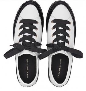 Tommy Hilfinger  Sneakers