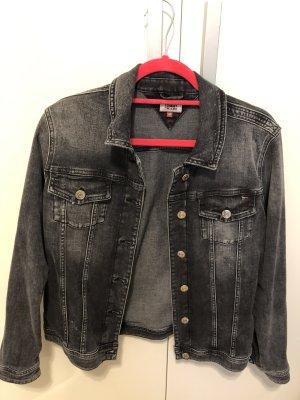 Tommy Jeans Jacke, schwarz, used-look, Gr. M