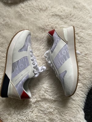 Tommy Turnschuhe