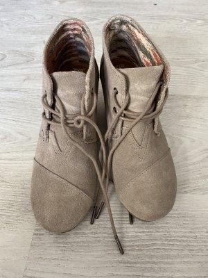 TOMS Schuhe
