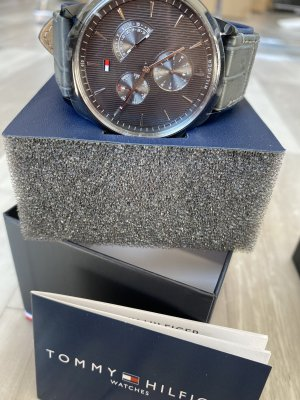 Tommy Hilfiger Watch With Leather Strap grey-dark grey