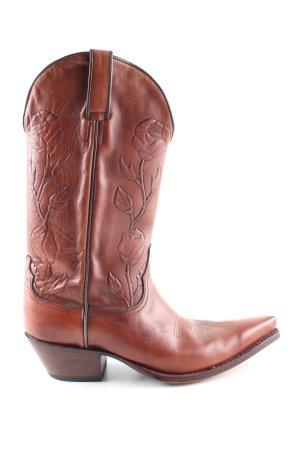Tony Mora Botas estilo vaquero marrón look casual