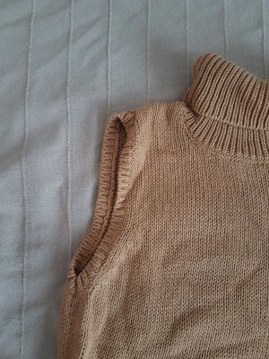 H&M Top con colletto arrotolato marrone