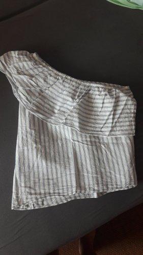 H&M Haut avec une épaule dénudée blanc-bleu