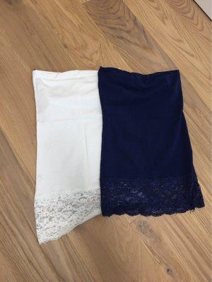 Only Top z dekoltem typu bandeau biały-ciemnoniebieski