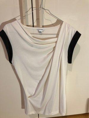 Calvin Klein Koszulka z dekoltem woda w kolorze białej wełny-czarny