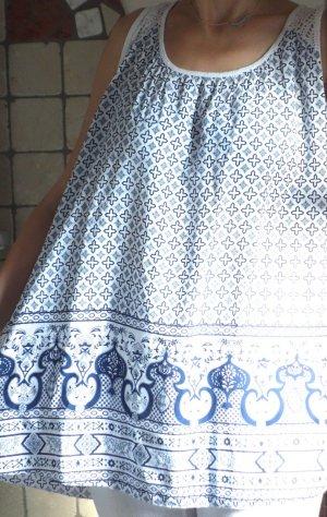 Top, Bluse ärmellos, mit kleinem Muster und Ornament Bordüre, Ethno, ganz leicht und luftige Viskose, Italien, made in Italy, weiß, blau, gemustert, leichte A-Linie, Netzmaterial am oberen Rücken, luftig, neuwertig, Gr. 40/42 Gr. L