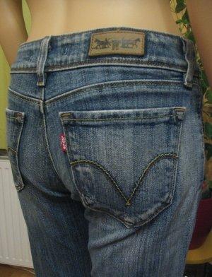 Top LEVIS 470 Hüft-Jeans.. blue used.. straight.. Größe W27, DE 34